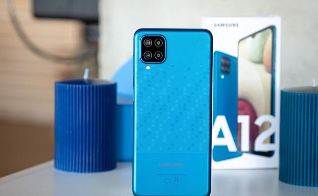 Top 10 smartphone bán chạy nhất tại Việt Nam trong tháng 9 - bất ngờ vì mẫu iPhone 3 năm tuổi của Apple vẫn on top - Ảnh 2.