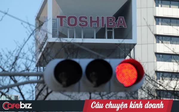 Sự sụp đổ của Toshiba: Từ gã khổng lồ điện tử hàng đầu nước Nhật, phải rời bỏ thị trường laptop và bán mình cho hàng loạt đối thủ - Ảnh 1.