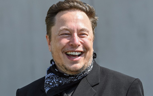 Thấy nhân viên đi làm xa, khó mua nhà, Elon Musk vừa tuyên bố chuyển luôn trụ sở chính Tesla sang bang khác - Ảnh 1.