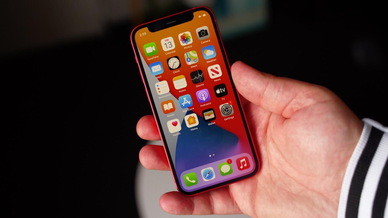 iPhone 12 mini chỉ chiếm vỏn vẹn 5% doanh số