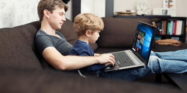 Kiểm soát việc sử dụng máy tính của trẻ nhỏ với tính năng có sẵn trên Windows 10 - Ảnh 1.