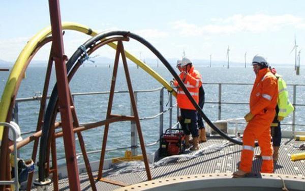 Thời gian sửa xong tuyến cáp biển APG lùi thêm 2 ngày - Ảnh 1.
