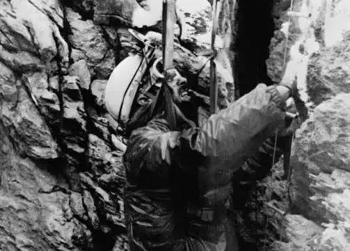 Thí nghiệm kỳ lạ trong hang động khiến nhân loại phải thay đổi lại cách nhìn nhận về đồng hồ sinh học trong cơ thể con người - Ảnh 12.