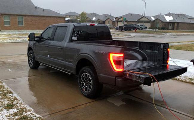 Mẫu xe của Ford bất ngờ nổi tiếng toàn cầu sau thảm họa mất điện tại Texas - Ảnh 1.