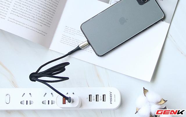 Những mẹo giúp bạn kéo dài thời lượng pin trên điện thoại khi phải di chuyển thường xuyên - Ảnh 1.