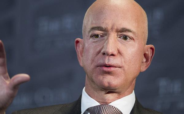 Jeff Bezos từ chức CEO tác động thế nào đến Amazon? - Ảnh 1.