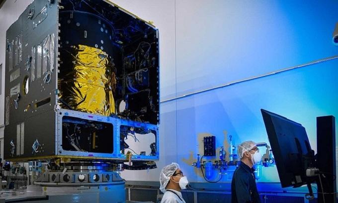 Sứ mệnh khám phá tiểu hành tinh trị giá 10.000 triệu tỉ USD của NASA đạt dấu mốc quan trọng - Ảnh 1.