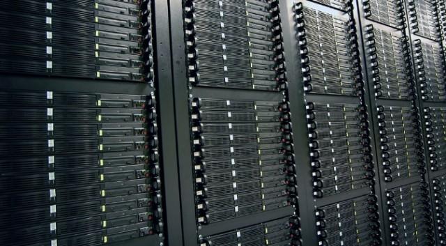Các nhà khoa học đang phát triển một chiếc đĩa quang dung lượng lên tới 700TB - Ảnh 1.