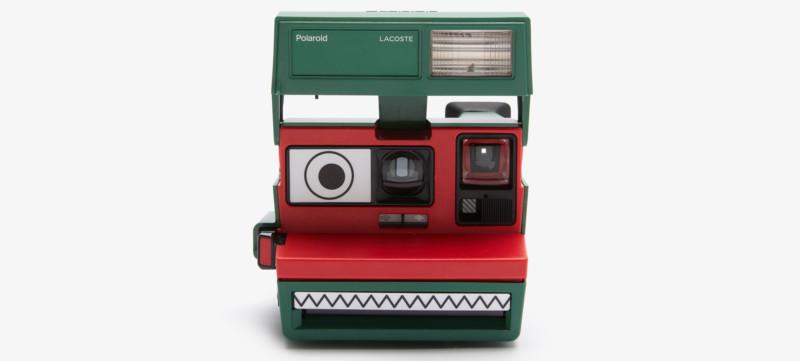 Polaroid hợp tác cùng Lacoste ra mắt bộ sưu tập quần áo và máy ảnh cực độc đáo - Ảnh 3.