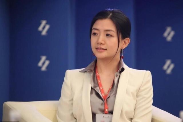 """Người phụ nữ đứng đằng sau đế chế Jack Ma, xinh đẹp, giỏi giang nhưng vẫn độc thân: Tiêu chuẩn chọn bạn đời là """"không làm ảnh hưởng tới công việc"""" - Ảnh 2."""