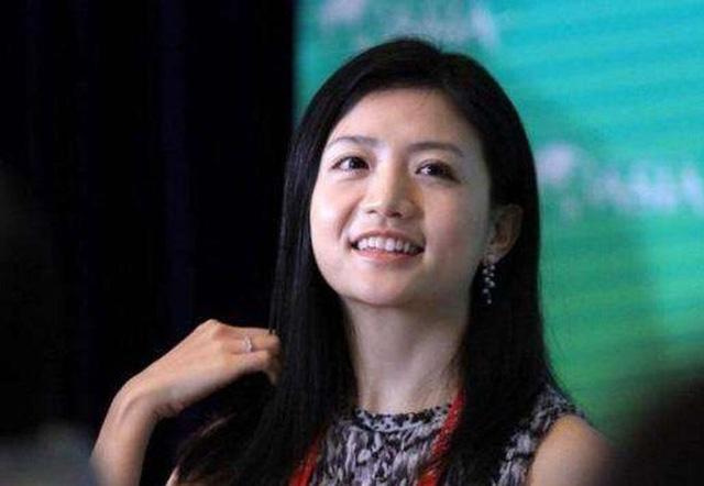 """Người phụ nữ đứng đằng sau đế chế Jack Ma, xinh đẹp, giỏi giang nhưng vẫn độc thân: Tiêu chuẩn chọn bạn đời là """"không làm ảnh hưởng tới công việc"""" - Ảnh 3."""