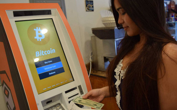 """ATM Bitcoin tràn ra khắp nước Mỹ: """"Đút"""" vào 1 đồng lấy ra tương đương 923 triệu VNĐ - có thật 'dễ ăn' như vậy không? - Ảnh 1."""