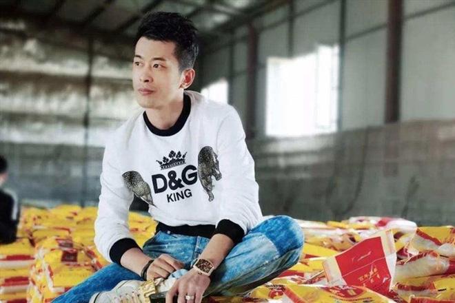 Ông hoàng livestream Trung Quốc xác lập kỉ lục: Bán hàng trong 12 tiếng doanh thu nhiều hơn trung tâm thương mại bán 1 năm - Ảnh 3.