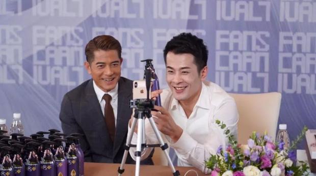 Ông hoàng livestream Trung Quốc xác lập kỉ lục: Bán hàng trong 12 tiếng doanh thu nhiều hơn trung tâm thương mại bán 1 năm - Ảnh 2.