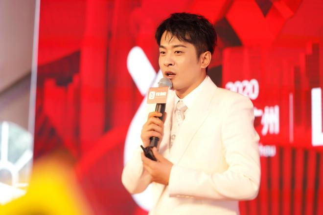 Ông hoàng livestream Trung Quốc xác lập kỉ lục: Bán hàng trong 12 tiếng doanh thu nhiều hơn trung tâm thương mại bán 1 năm - Ảnh 4.