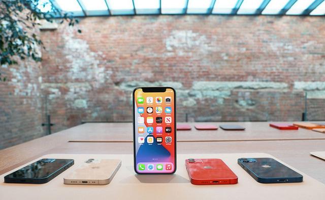 """Thị trường smartphone cao cấp Việt Nam: Khi iPhone ngày càng """"vô đối"""" - Ảnh 1."""