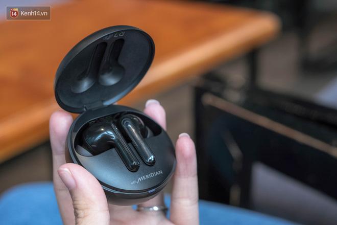 Đánh giá nhanh tai nghe LG TONE Free FN7, liệu có đọ được với AirPods với mức giá 2,7 triệu đồng? - Ảnh 12.