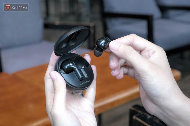 Đánh giá nhanh tai nghe LG TONE Free FN7, liệu có đọ được với AirPods với mức giá 2,7 triệu đồng? - Ảnh 6.
