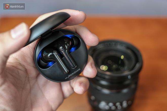 Đánh giá nhanh tai nghe LG TONE Free FN7, liệu có đọ được với AirPods với mức giá 2,7 triệu đồng? - Ảnh 8.