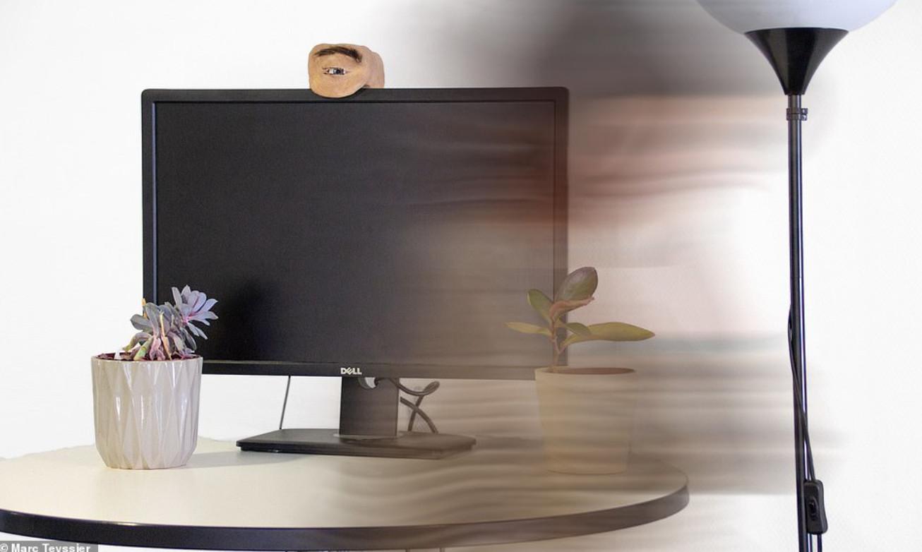 Nhìn chiếc webcam như thể mắt người này, bạn sẽ không khỏi giật mình thon thót mỗi khi nó liếc nhìn bạn - Ảnh 8.