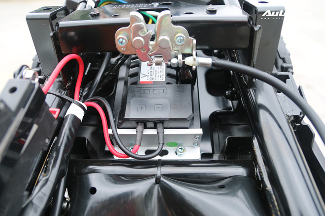 Lột trần VinFast Feliz trong 10 phút, kỹ sư điện đánh giá: Kết cấu đơn giản, dễ sửa, dễ độ nhưng vẫn còn điểm yếu - Ảnh 17.