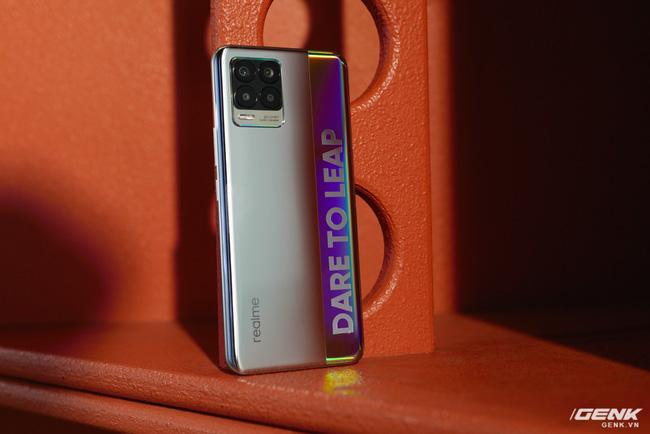 Trên tay realme 8 và 8 Pro: Thiết kế trẻ trung, camera 108MP có chế độ Tilt-Shift, hiệu năng đủ dùng, lên kệ ngày 27/4 - Ảnh 4.