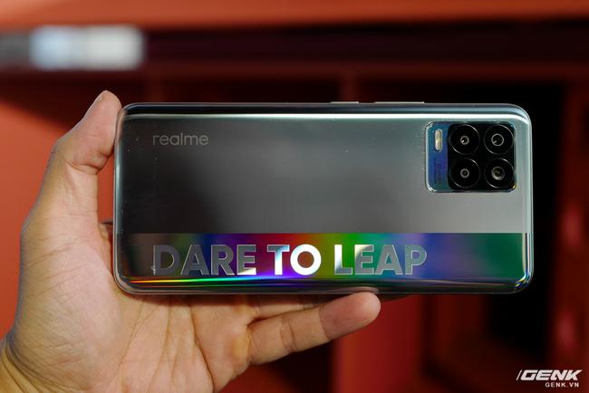 Trên tay realme 8 và 8 Pro: Thiết kế trẻ trung, camera 108MP có chế độ Tilt-Shift, hiệu năng đủ dùng, lên kệ ngày 27/4 - Ảnh 5.
