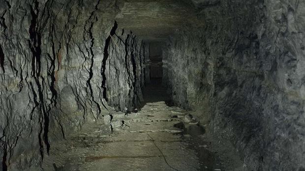 Kết thúc thí nghiệm tranh cãi: 15 người bị nhốt 40 ngày dưới hang động kín mít không ánh sáng vừa được giải thoát, nhưng cảm nhận của họ lại gây bất ngờ - Ảnh 1.