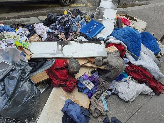 Những hình ảnh gây sốc cho thấy thành phố Paris hoa lệ ngập trong rác khiến cộng đồng mạng thất vọng tràn trề, chuyện gì đang xảy ra? - Ảnh 3.