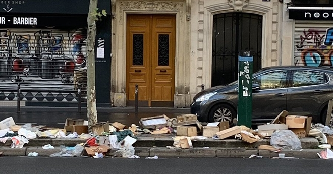 Những hình ảnh gây sốc cho thấy thành phố Paris hoa lệ ngập trong rác khiến cộng đồng mạng thất vọng tràn trề, chuyện gì đang xảy ra? - Ảnh 6.