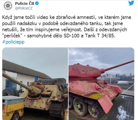 Tin lời cảnh sát, một người Séc mang cả xe tăng hồng cùng pháo tự hành đến đăng ký sở hữu - Ảnh 2.