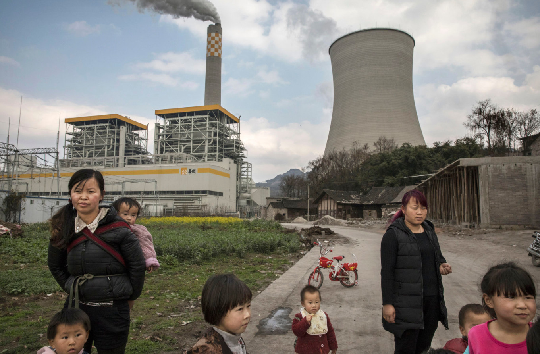 Truyền thông Mỹ: Trung Quốc phát thải khí nhà kính nhiều hơn cả Mỹ và nhiều nước phát triển khác - Ảnh 2.