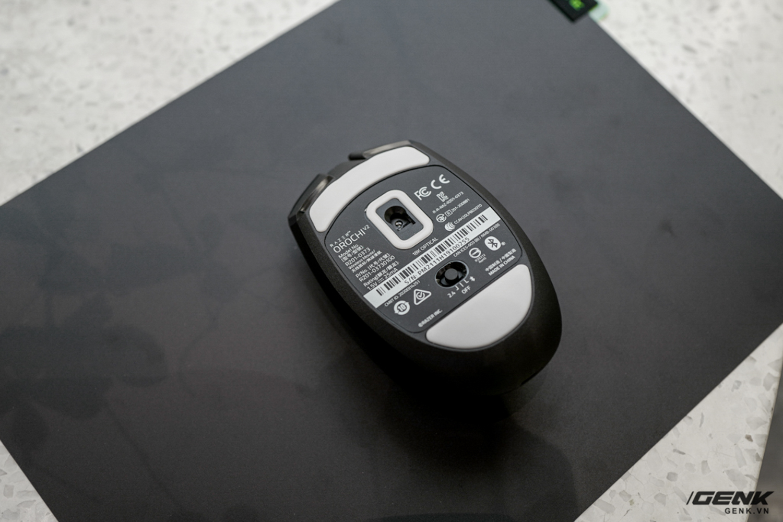 Trên tay chuột không dây Razer Orochi V2: Chuột không dây nhẹ chỉ 60g, pin dùng đến 950 tiếng, giá 1,49 triệu đồng - Ảnh 4.
