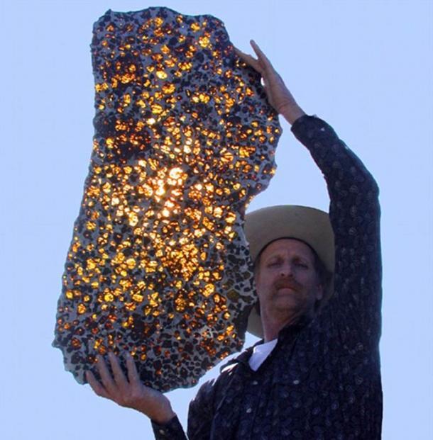 Bí ẩn về tảng đá không gian: Thiên thạch Fukang đến từ đâu? - Ảnh 1.