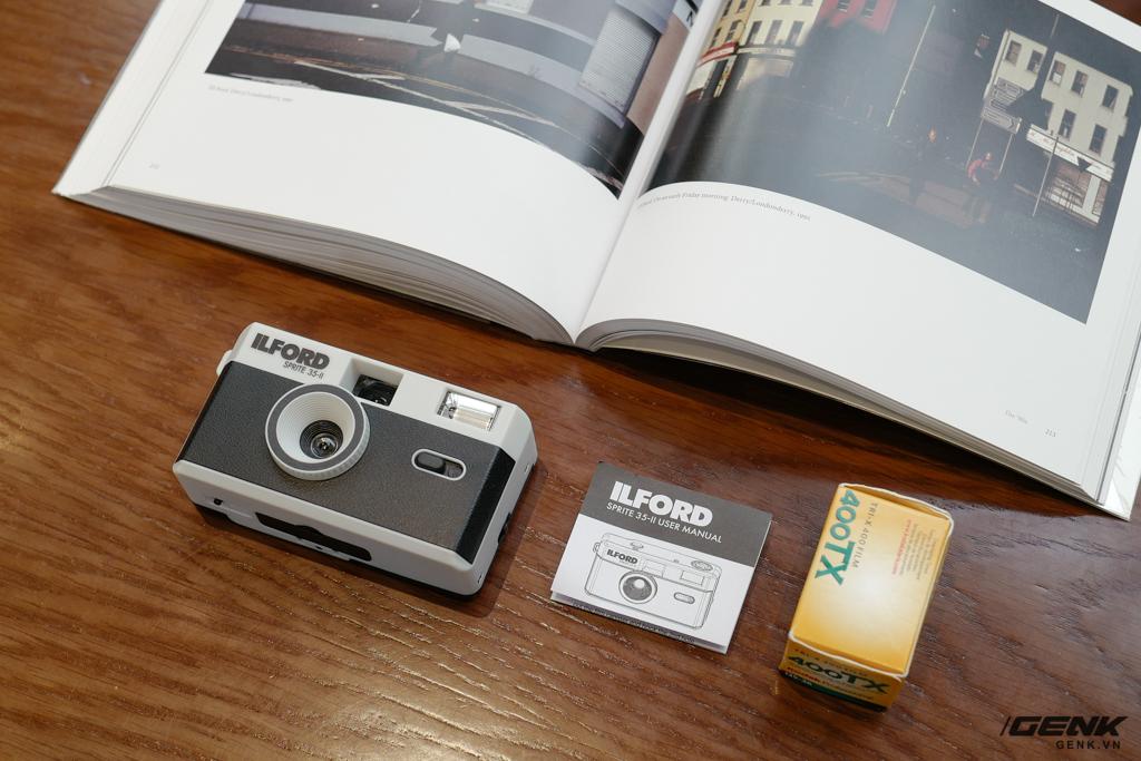 Trải nghiệm nhanh máy ảnh nhựa ILFORD Sprite 35-II: Tìm về thú chơi phim lomo với 990.000 đồng - Ảnh 3.