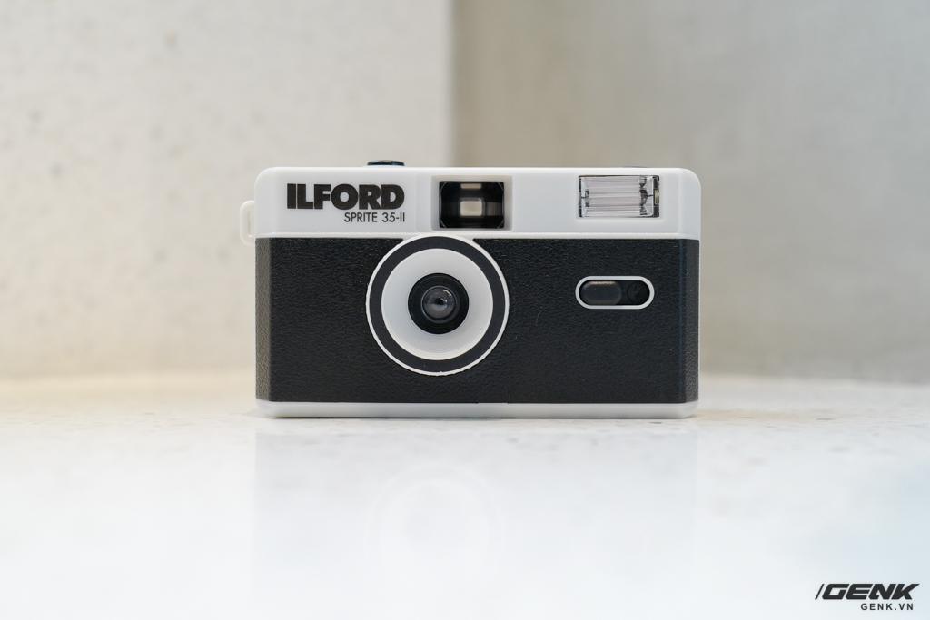 Trải nghiệm nhanh máy ảnh nhựa ILFORD Sprite 35-II: Tìm về thú chơi phim lomo với 990.000 đồng - Ảnh 5.