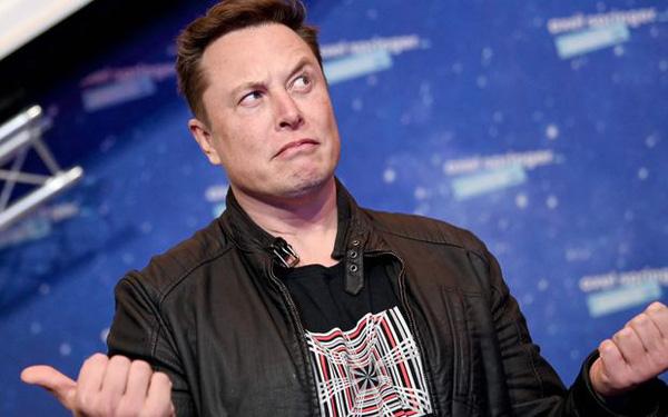 Nhà đầu tư bất lực nhìn Elon Musk tiếp tục thao túng thị trường: Tweet ám chỉ Tesla đã bán hết Bitcoin, giá đồng tiền số chạm đáy - Ảnh 1.