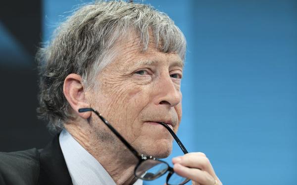Sốc: Bill Gates bị buộc phải rời hội đồng quản trị Microsoft vào năm ngoái do có quan hệ mờ ám với 1 nữ nhân viên - Ảnh 1.