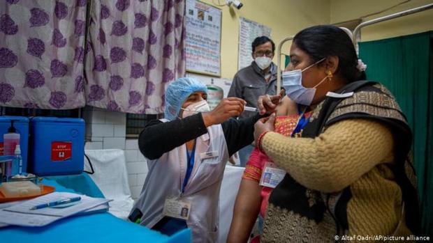 """Ấn Độ phát hiện đột biến nCoV có khả năng """"né"""" kháng thể - Ảnh 1."""
