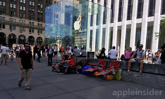 Đây là cách Steve Jobs đã thay đổi bộ mặt của cả ngành bán lẻ, từ 20 năm trước - Ảnh 3.