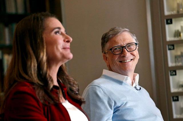 Tượng đài Bill Gates trước nguy cơ sụp đổ - Ảnh 1.