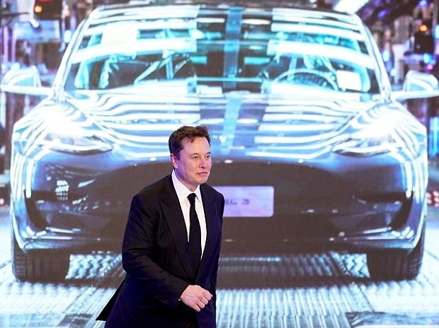 Elon Musk đặt mục tiêu mới cho Tesla: không chỉ sản xuất ô tô mà còn là một hãng robot AI - Ảnh 1.