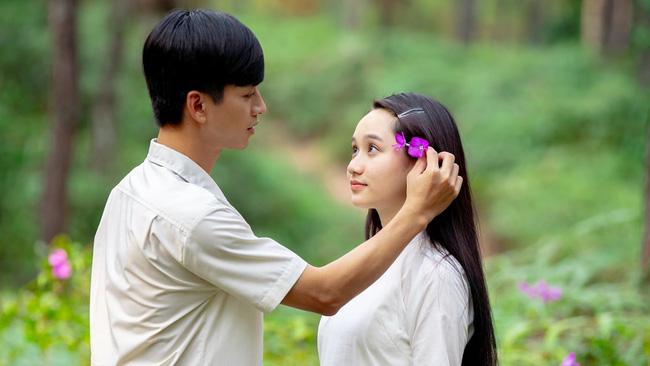 Não bộ sẽ tạo ra hiệu ứng slow motion khi bạn chạm phải ánh mắt một người khác - Ảnh 1.