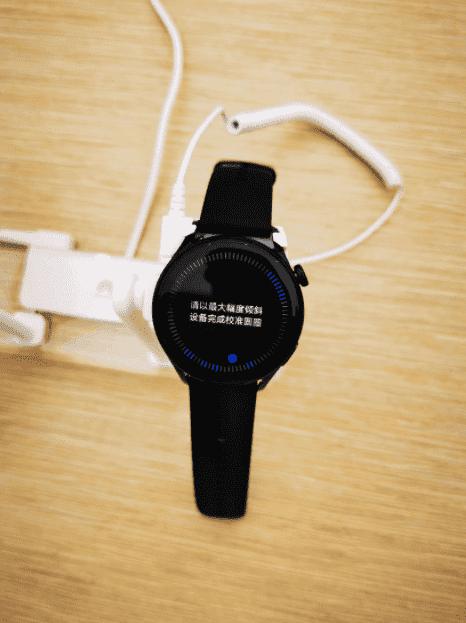 Lộ hình ảnh thực tế đầu tiên của Huawei Watch 3 chạy hệ điều hành HarmonyOS - Ảnh 5.