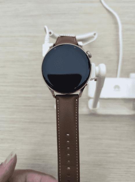 Lộ hình ảnh thực tế đầu tiên của Huawei Watch 3 chạy hệ điều hành HarmonyOS - Ảnh 6.