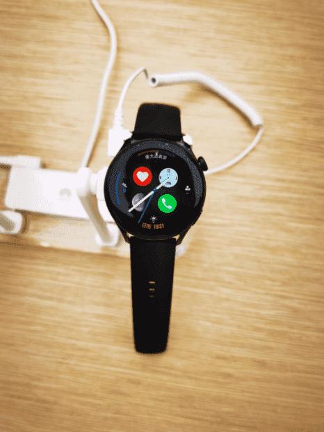 Lộ hình ảnh thực tế đầu tiên của Huawei Watch 3 chạy hệ điều hành HarmonyOS - Ảnh 7.