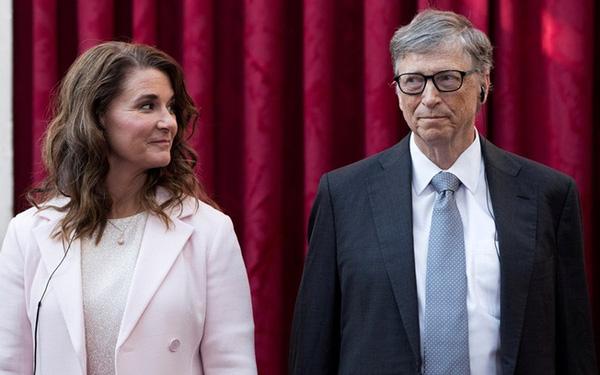Từng nổi tiếng 'nghiện vợ', không ngại rửa bát, đưa đón con đi học, Bill Gates kết thúc cuộc hôn nhân 27 năm bằng câu 'không còn tin cả 2 có thể đi cùng nhau' - Ảnh 1.