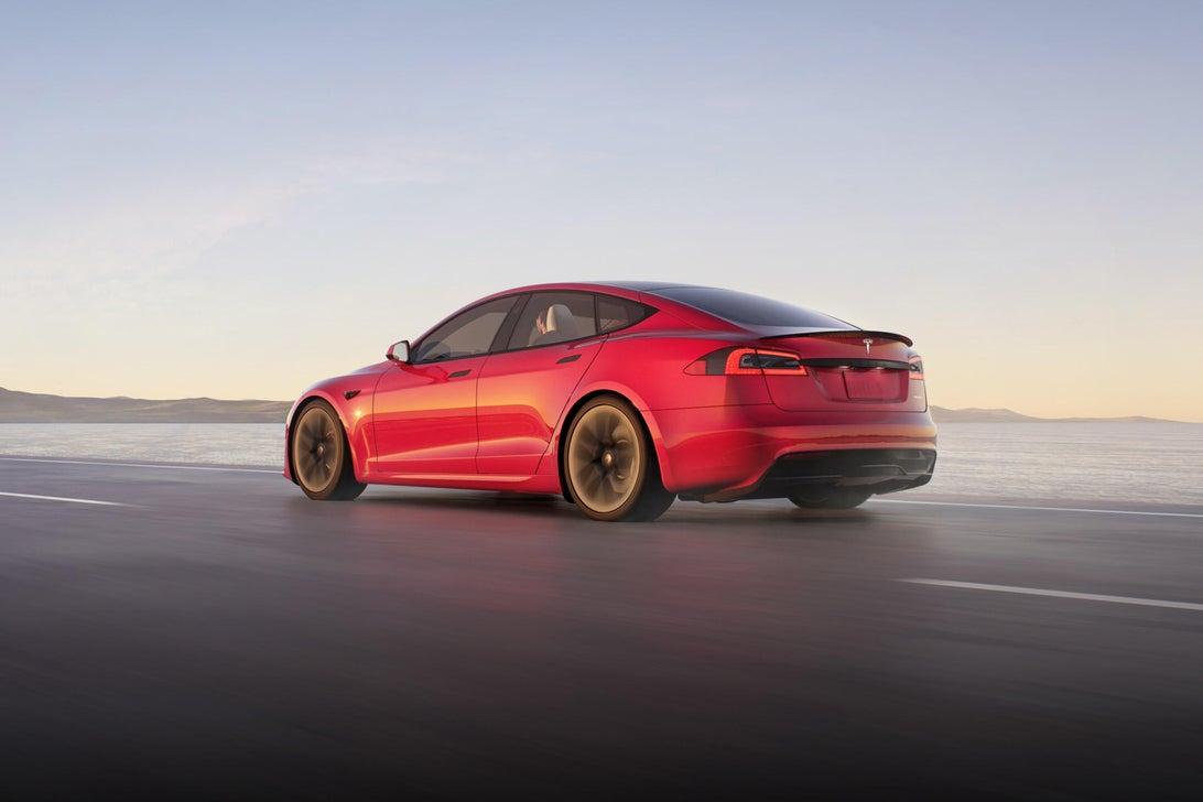Tesla ra mắt mẫu xe Model S Plaid hiệu năng cao, tốc độ siêu nhanh, mạnh ngang PS5, giá bán từ 131.100 USD - Ảnh 3.