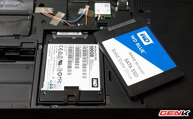 Is it possible to upgrade the laptop?  If so, what should be kept in mind?  - Photo 4.