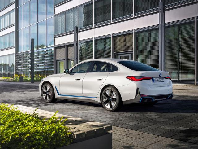 BMW i4 - chiếc sedan hạng sang chạy điện cả thế giới đang mong đợi? - Ảnh 4.